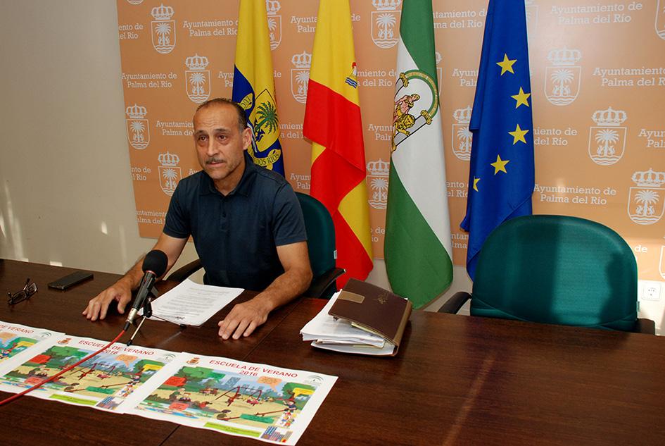 El concejal de Bienestar Social presenta el programa Participemos Tod@s y la Escuela de Verano