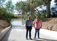 El alcalde y el concejal de Medio Ambiente en las obras del nuevo embarcadero