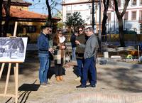 El alcalde y el concejal con los técnicos municipales en las obras del Jardín Reina Victoria