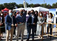 Momento en el que las autoridades inauguran la Feria